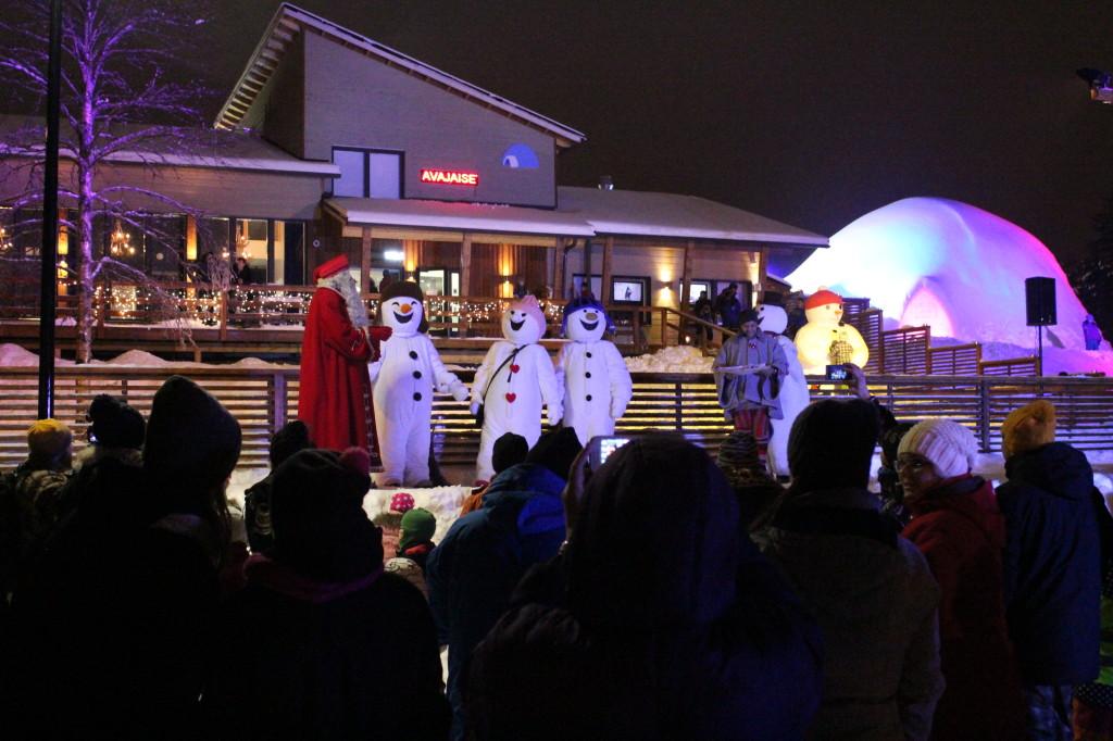 Joulupukki ja lumiukot. Lumiukkomaailma. Tarinakone 2014.